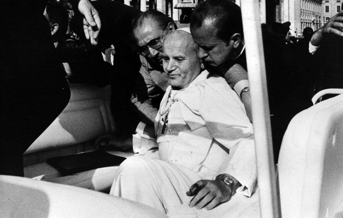 Memória de 13 de maio de 1981: um jovem turco dispara contra São João Paulo II
