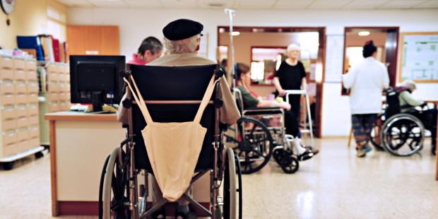 A história do senhor que levava sua mulher na cadeira de rodas
