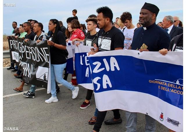África e fake news: combonianos debatem sobre imigração