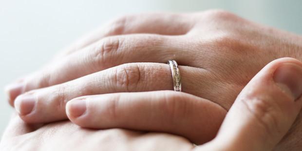 Casados por 25 anos e divorciados há 3, ex-marido volta a pedir ex-mulher em casamento