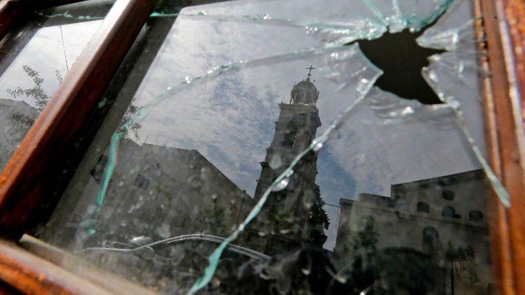 Papa aos Greco-melquitas: Síria atingida por violências indescritíveis