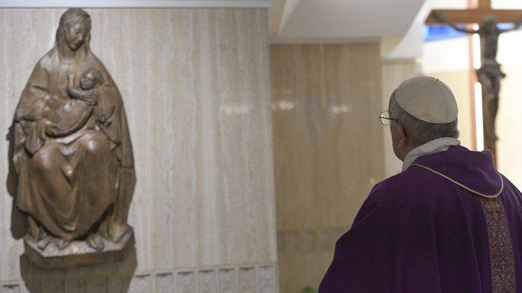 Papa: não ser cristãos estacionados, buscar o Senhor sem medo