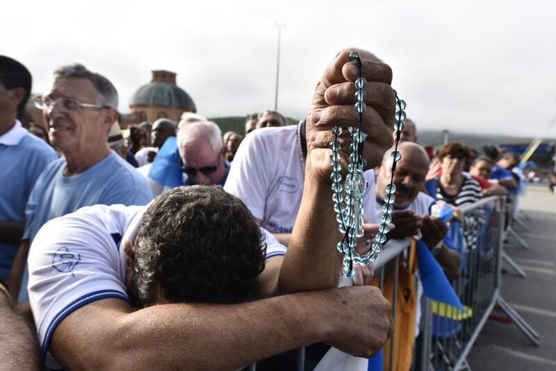Leve seu grupo de Terço dos Homens para rezar no Com a Mãe Aparecida