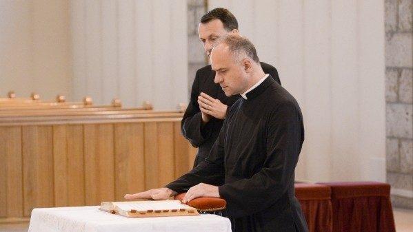 Padre Pagliarani eleito novo Superior Geral da Fraternidade São Pio X