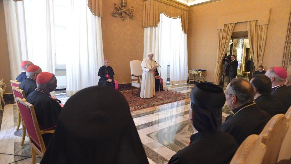 Papa: Síria e Iraque, manter acesa a chama da esperança