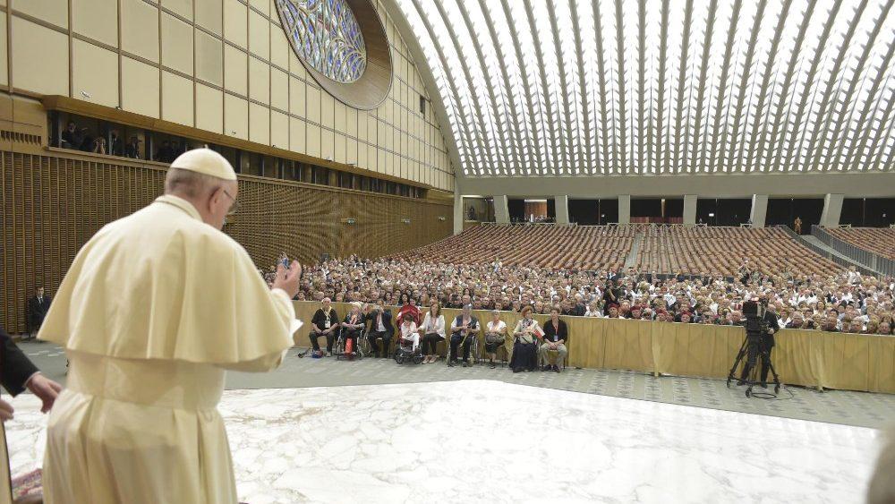 Papa ressalta a herança de São João Paulo II a fiéis de Cracóvia