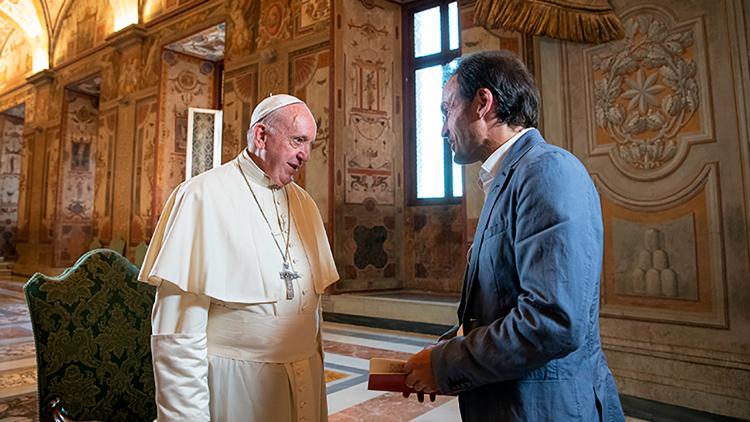 """Papa fala da bênção dos filhos no novo episódio de """"Ave Maria"""
